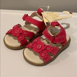 NEW W TAGS: Infant Floral Sandal. Baby Gap. Size 3